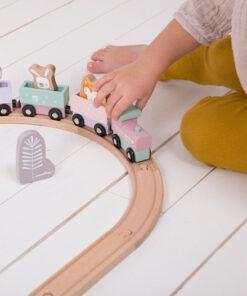 train pink